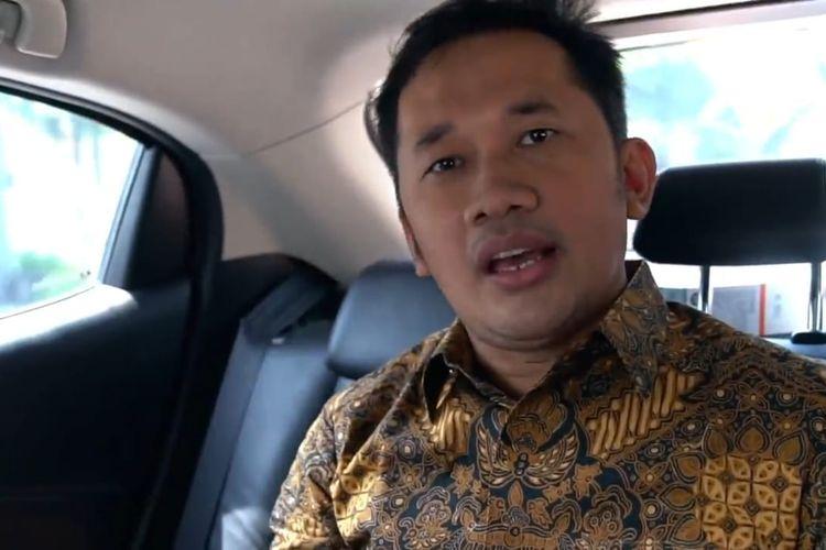 Hanung Bramantyo usai menjalani vaksinasi Covid-19