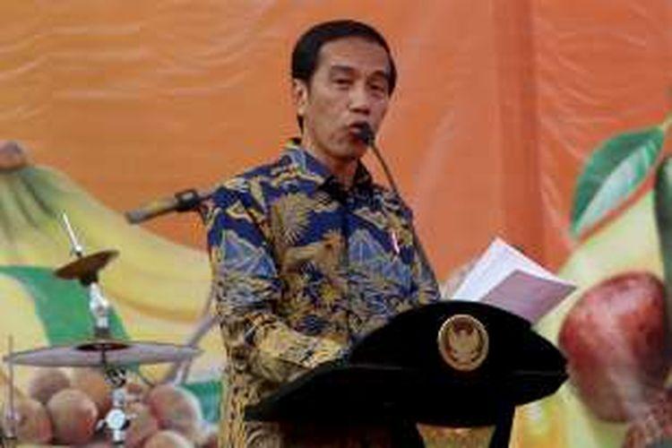 Presiden Joko Widodo saat membuka acara Fruit Indonesia 2016 di Lapangan Parkir Timur Senayan Jakarta, Kamis (16/11/2016).