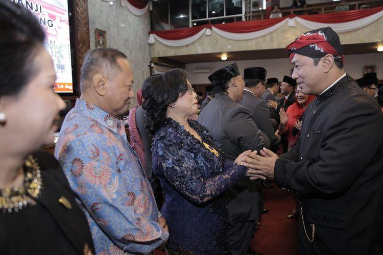 Wali Kota Semarang Hendrar Prihadi saat melantik 50 anggota DPRD periode 2019-2024.