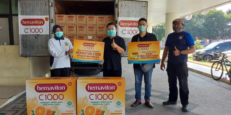 Bantuan produk kesehatan Vitamin C pada dua rumah sakit Bhayangkara di Kota Bandung, Jawa Barat dan Kota Surabaya, JawaTimur.