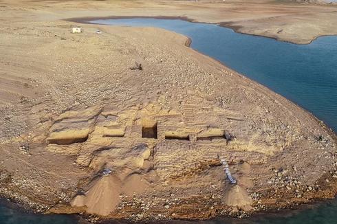 Istana Kuno Berhias Mural Ditemukan Terkubur di Waduk Kering Irak