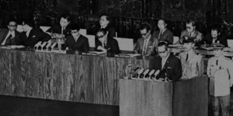 Demokrasi Indonesia Periode Demokrasi Terpimpin 1959 1965 Halaman All Kompas Com
