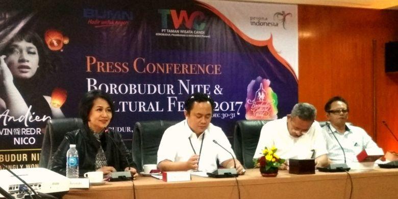 Jump pers Borobudur Nite 2017 Amizingly Wonderful, untuk perayaan malam tahun baru 2017 di Hotel Manohara, Jumat (29/12/2017).