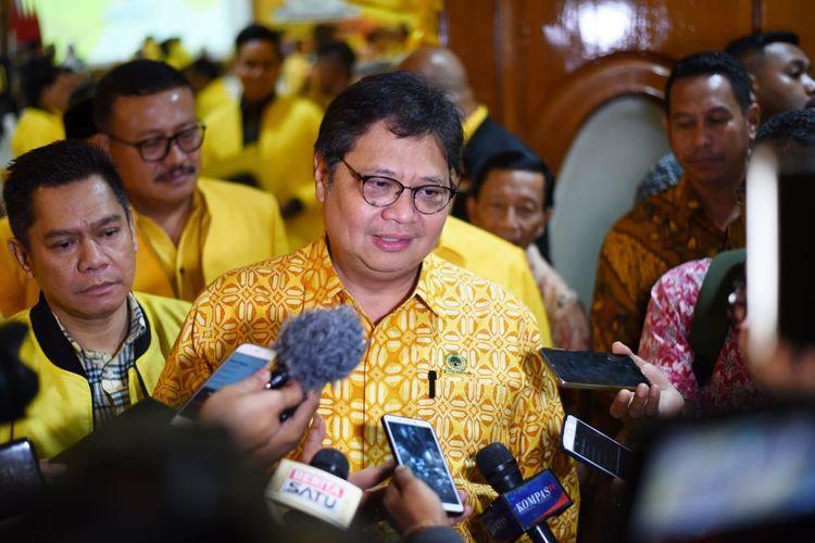 Ketua Umum Partai Golkar Airlangga Hartarto di kantor DPP Golkar, Slipi, Jakarta, Jumat (7/2/2020).