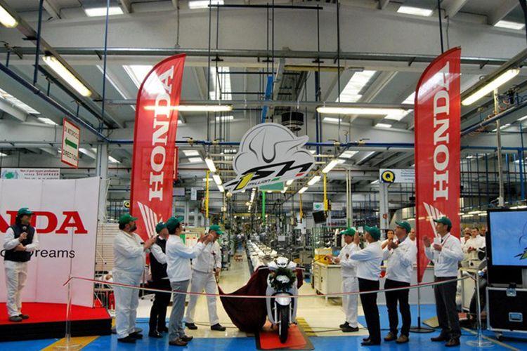 Skutik Honda SH capai produksi 1 juta unit.