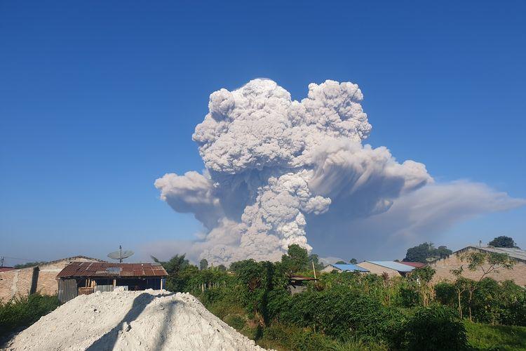k160-19 02032021 Gunung Sinabung Kembali Luncurkan Awan Panas Beruntun Sejauh 5.000 Meter