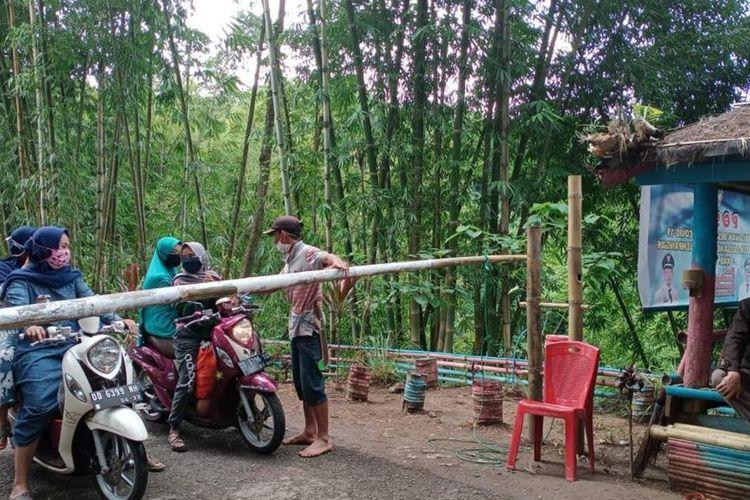 121 Desa di Kabupaten Gowa, Sulawesi Selatan memberlakukan Pembatasan Sosial Berskala Kecil (PSBK) untuk mencegah penyebaran virus corona covid-19.