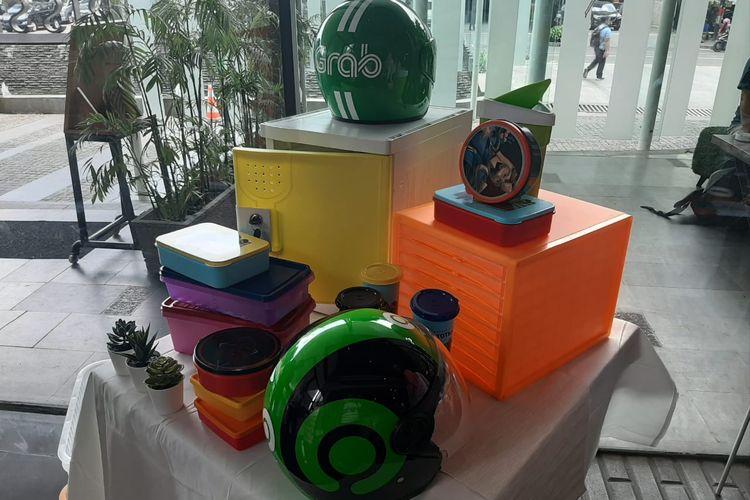 Contoh berbagai jenis barang dari bahan plastik yang diproduksi oleh Yasunli.