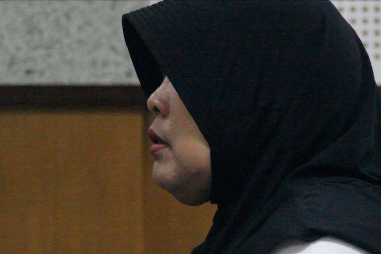 Terdakwa Kompol Tuti Maryati, menjalani sidang pertamanya, Selasa (9/7/2019) di Pengadilan Tipikor Mataram. Tti diduga kuat menerima suap dari sejumlah tahanan temasuk Dorfin Felix, gembong Narkoba asal Francis.