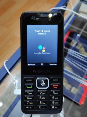 Ponsel fitur Wizphone buatan Google dijual Rp 99.000. Bisa Didapatkan di Alfamart.