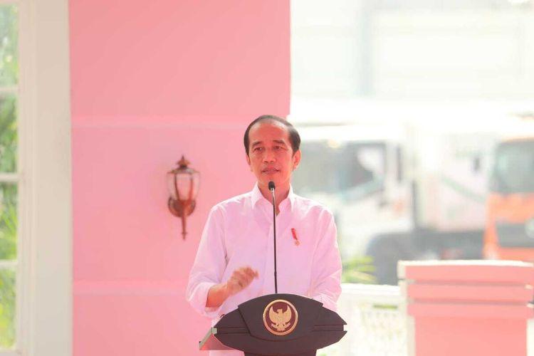 Presiden Joko Widodo (Jokowi) meresmikan Instalasi Pengolah Sampah menjadi Energi Listrik (PSEL) berbasis teknologi ramah lingkungan di Benowo, Kota Surabaya, Jawa Timur, Kamis (6/5/2021).