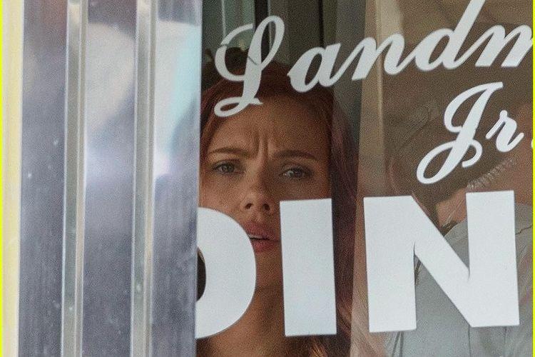 Scarlett Johansson yang berperan sebagai Black Widow tampak di lokasi shooting film Avengers 4.