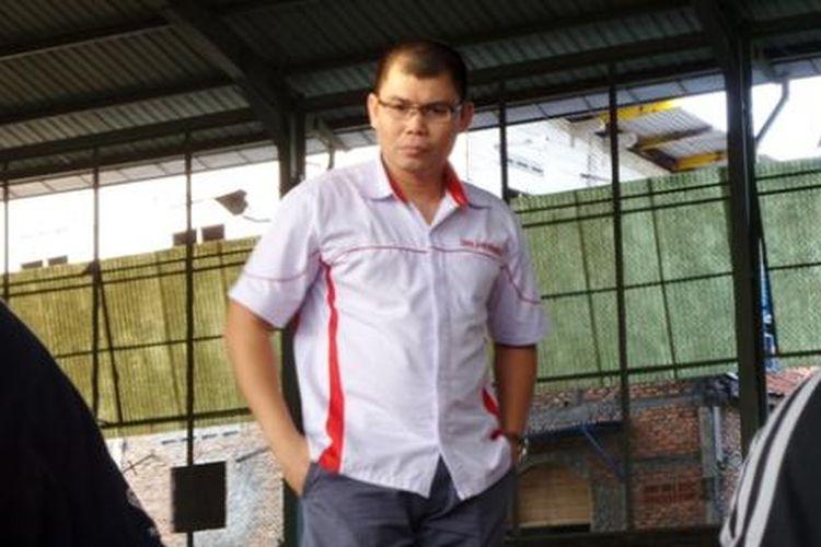 Chris John memberi pengarahan kepada peserta Indonesia Boxing Championship di lapangan Kompas Gramedia, Kamis (18/8/2016).