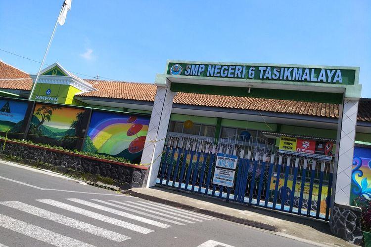 Lokasi ditemukannya mayat Delis Sulistina (13) di gorong-gorong depan sekolahnya di SMPN 6 Tasikmalaya.