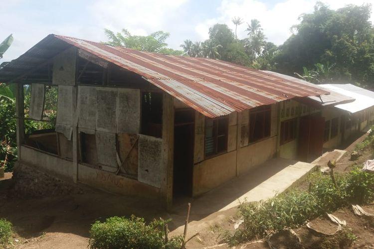 Gedung SDN Wegok, Desa Kajowair, Kecamatan Hewokloang, Kabupaten Sikka, Flores, NTT sangat memprihatinkan, Senin (24/6/2019).