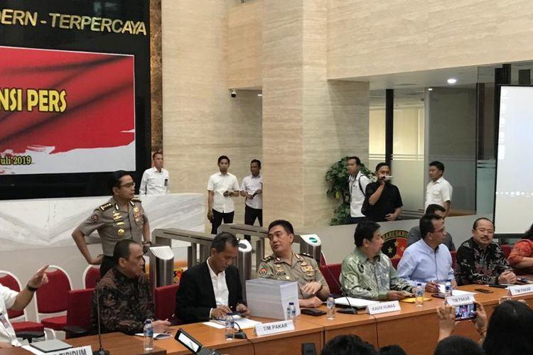 Konferensi pers hasil investigasi Tim Gabungan Pencari Fakta (TGPF) kasus Novel Baswedan di Gedung Bareskrim Polri, Jakarta Selatan, Rabu (17/7/2019).