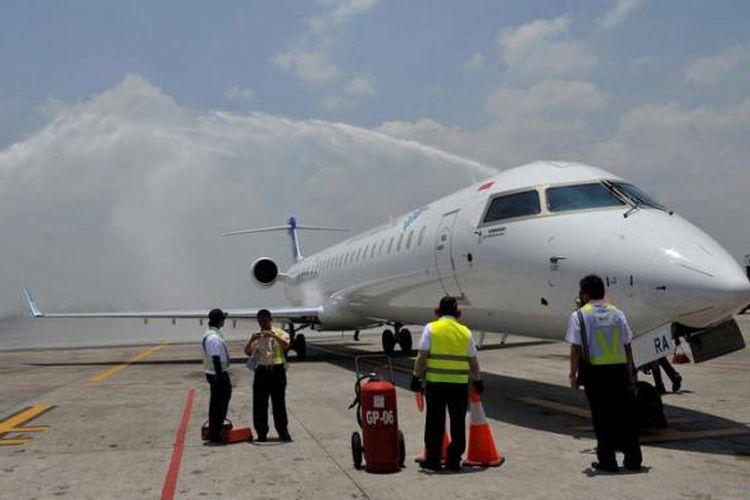 A Garuda Indonesia CRJ1000