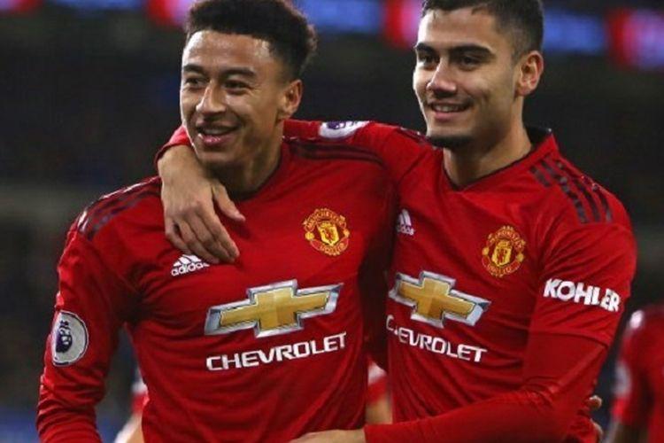 Jesse Lingard dan Andreas Pereira merayakan gol pada laga Cardiff City vs Manchester United dalam lanjutan Liga Inggris, 22 Desember 2018.