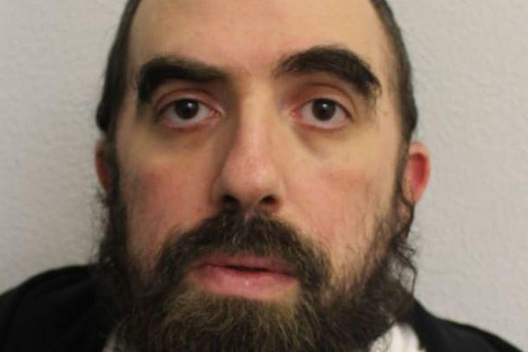 Abraham Berger dipenjara 14 tahun karena melakukan serangakaian serangan seksual terhadap anak di bawah umur.