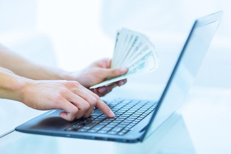 Ilustrasi pinjaman online atau pinjol. Terjerat pinjaman online ilegal bisa memberi dampak psikologis bagi peminjam pinjol.