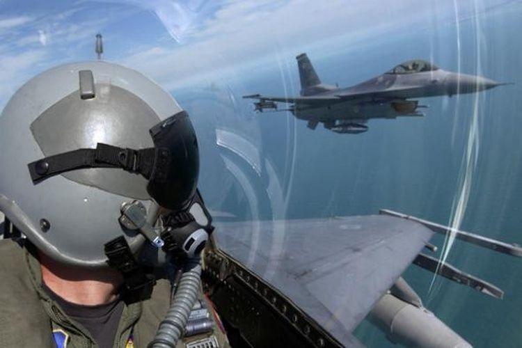 Ilustrasi Pilot Militer.