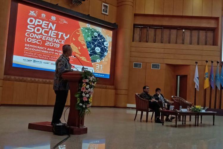 Universitas terbuka menggelar konferensi internasonal ?Open Society Conference (OCS) 2019? yang digagas Fakultas Hukum, Ilmu Sosial, dan Ilmu Politik Universitas Terbuka (FHISIP-UT) dan mengangkat tema ?Demokrasi dan Akuntabilitas Publik di Era Digital? di Tangerang Selatan (31/10/2019).