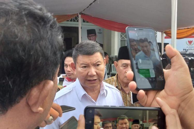 Hashim saat diwawancarai wartawan usai meresmikan Kantor Badan Pemenangan Daerah Prabowo-Sandi Provinsi Sulawesi Utara, di Jalan Tikala Ares Nomor 19, Kecamatan Tikala, Manado pada Jumat (04/01/2019).