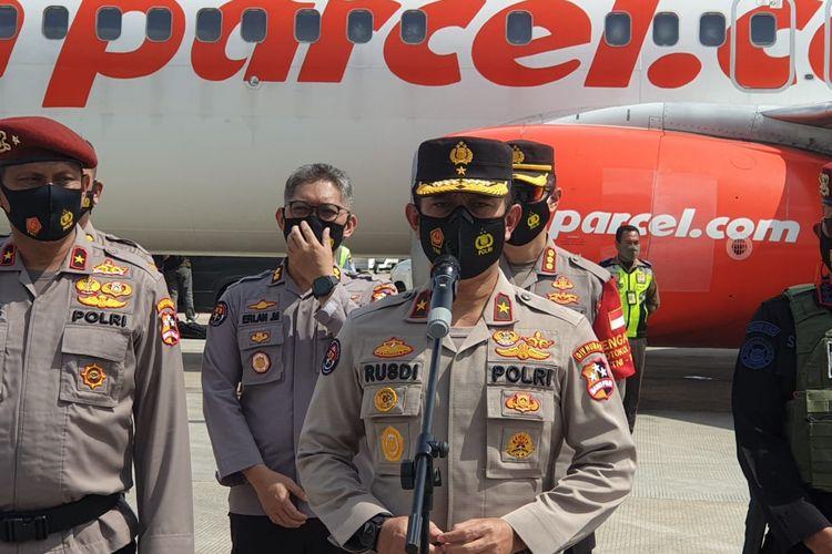 Konferensi pers Karo Penmas Humas Polri Brigjen Rusdi Hartono di Bandara Soetta, Tangerang, Banten, Kamis (4/2/2021).
