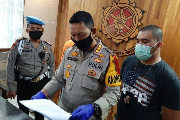 Kapolresta Pontianak Kombes Pol Komarudin memberi keterangan pers terkait kejadian dua orang anak di bawah umur diketapel saat bangunkan warga sahur, Minggu (17/5/2020).