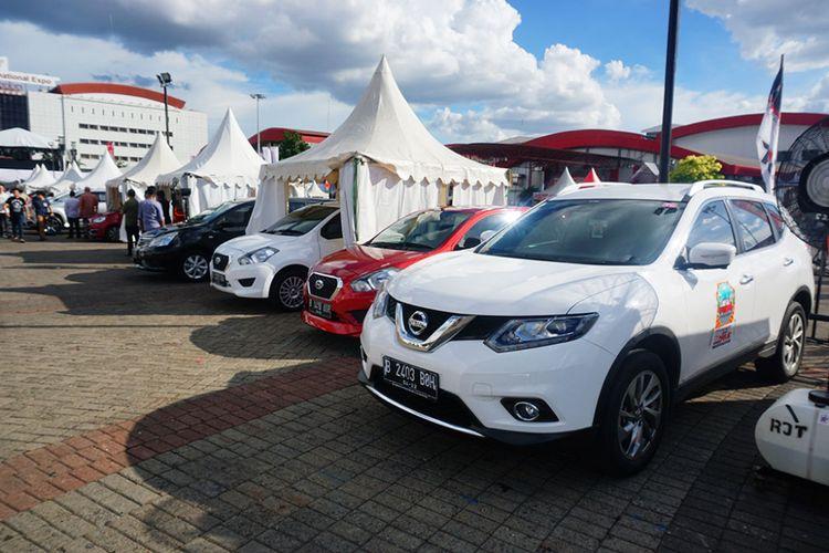 Suasana arena tes mobil dan motor IIMS 2017