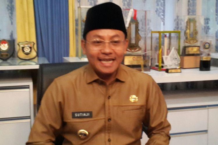 Wali Kota Malang, Sutiaji usai rapat koordinasi di Balai Kota Malang, Senin (16/3/2020).