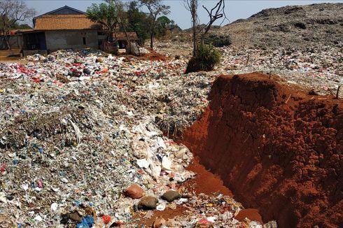 Sampah yang Diduga Impor di Burangkeng Dibuang di Luar Wilayah TPA