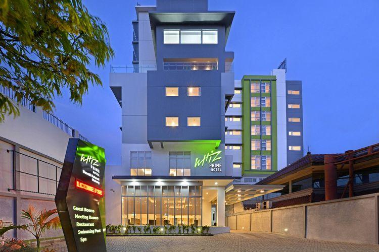 Hotel Whiz Prime Malang tampak dari depan