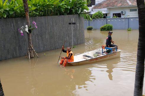 Kelapa Gading Lumpuh karena Banjir, Warga Minta Pintu Air Sunter Segera Dibuka