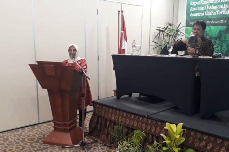 Direktur Pembiayaan Pertanian Ditjen PSP Kementerian Pertanian Sri Kuntarsih, saat memberikan sambutan dalam Ratek Asuransi Usaha Tani Padi (AUTP) dan Asuransi Usaha Ternak Sapi (AUTS) di Daerah Istimewa Yogyakarta, Selasa (12/02/2019).