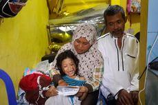 Suami Sakit, Sriana dan 3 Anaknya yang Masih SD Berjualan Roti Keliling hingga Dini Hari