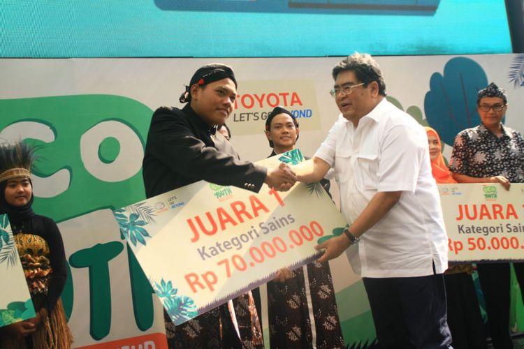 Toyota Eco Youth