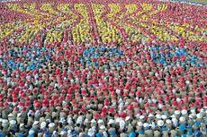 9.500 Mahasiswa Baru UGM Bentuk Logo ASEAN
