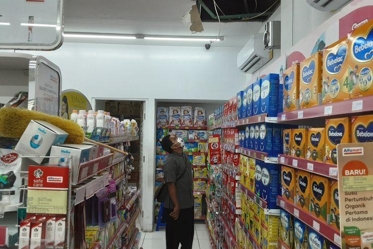 Minmarket Alfamart Purin Kendal, yang dibobol maling. KOMPAS.COM/SLAMET PRIYATIN(KOMPAS.COM/SLAMET PRIYATIN)