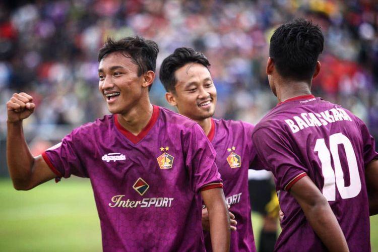 Persik Kediri menjadi juara Liga 3 2018 setelah unggul agregat 3-2 dalam dua laga final atas PSCS Cilacap.