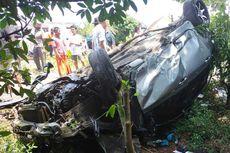 Mobil Tertabrak Kereta Api di Perlintasan Tanpa Palang Pintu, Seorang Anak Tewas, Ibunya Luka Berat