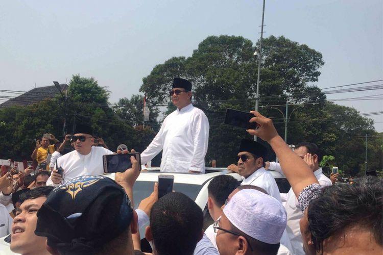 Pasangan Prabowo Subianto-Sandiaga Uno tiba di gedung KPU RI. Kedatangan Prabowo-Sandi untuk mencalonkan diri sebagai calon presiden-calon presiden pada pemilihan presiden 2019, Jumat (10/8/2018).