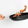 Mengapa Rajungan, Udang, dan Kepiting Berubah Kemerahan Saat Dimasak?