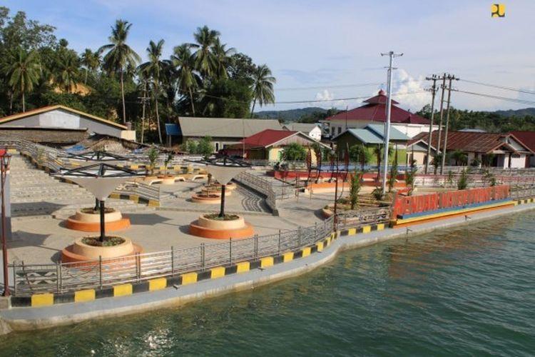 Kawasan kumuh Bungkutoko dan Petoaha disulap jadi waterfront city (wisata air), Kota Kendari, Sulawesi Tenggara.