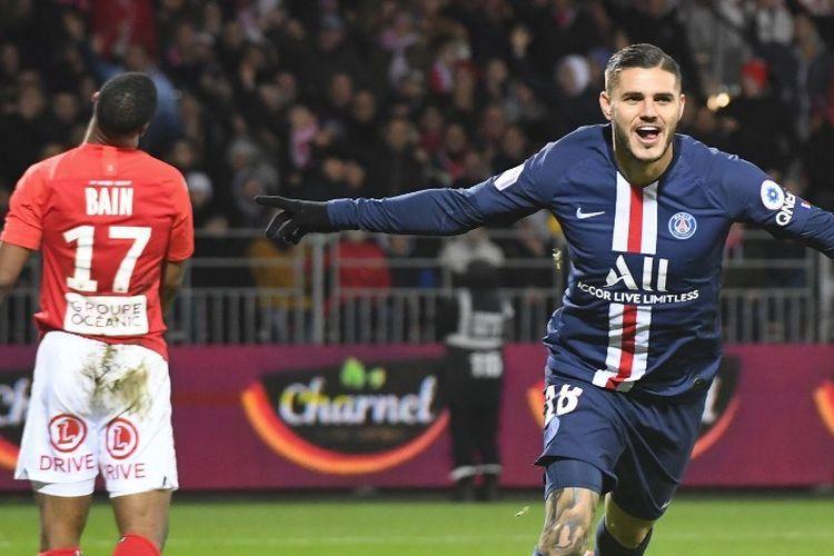 Penyerang Paris Saint-Germain, Mauro Icardi, merayakan golnya pada laga Brest vs PSG dalam lanjutan Liga Perancis, 9 November 2019.