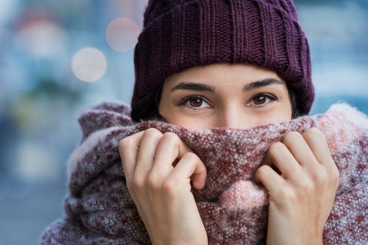 Ilustrasi pakaian hangat untuk hadapi suhu dingin.