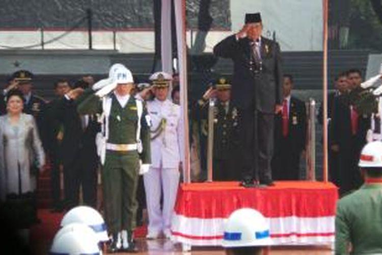 Presiden Susilo Bambang Yudhoyono memimpin upacara peringatan Hari Kesaktian Pancasila di Monumen Pancasila Sakti, Lubang Buaya, Jakarta Timur, Selasa (1/10/2013) pagi.