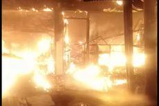 Toko Sembako di Jalan Daan Mogot Ludes Terbakar