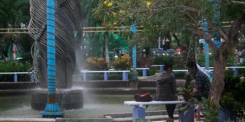 Taman Bekapai di Balikpapan, Kalimantan Timur ini adalah salah satu ruang publik yang menarik bagi warga, Kamis (25/10/2012).