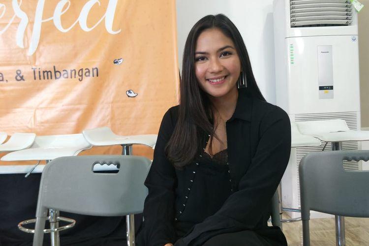 Jessica Mila dalan jumpa pers perkenalan pemain film Imperfect, di Kantor Starvision, Cempaka Putih, Jakarta Pusat, Jumat (26/7/2019).